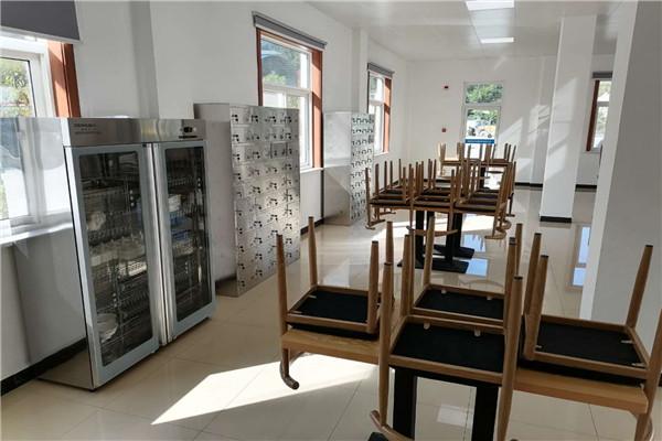 食堂餐桌椅设备